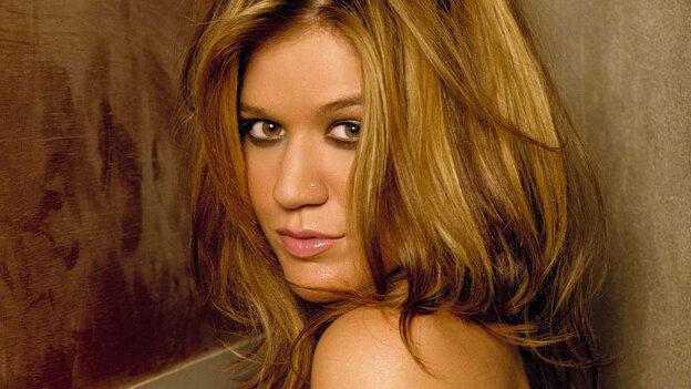 Kelly Clarkson; courtesy of the artist
