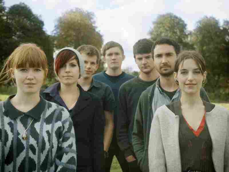 Los Campesinos; credit: Kim Coulour