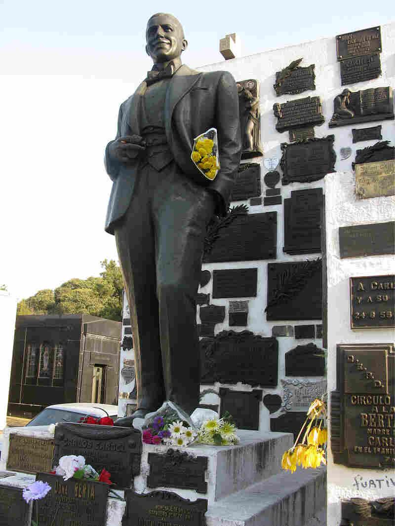 Gardel's grave