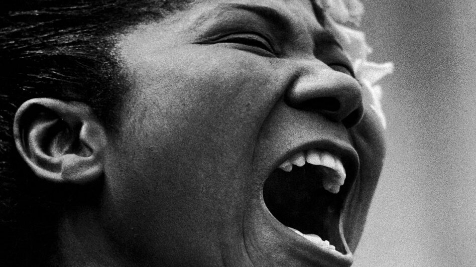 Mahalia Jackson sings at a Prayer Pilgrimage for Freedom in May 1957.