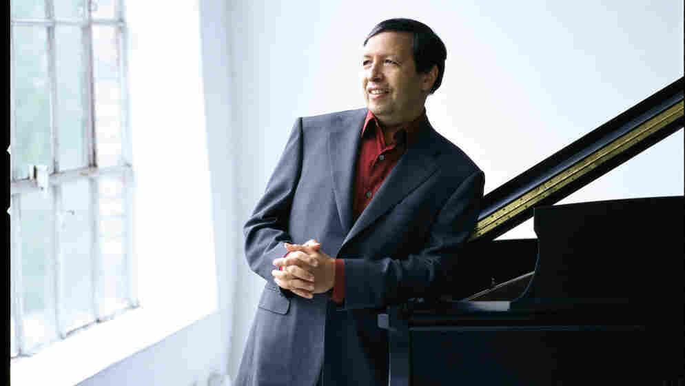 Murray Perahia at the piano.