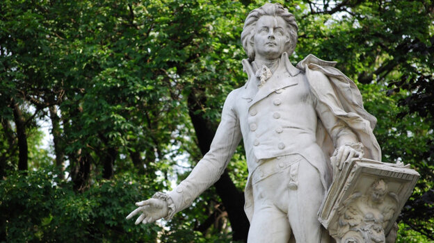 Mozart's music flashes back and forth between the simple and the complicated.