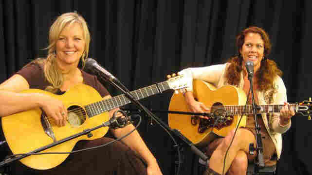 Rhythm Angels perform at Folk Alley.