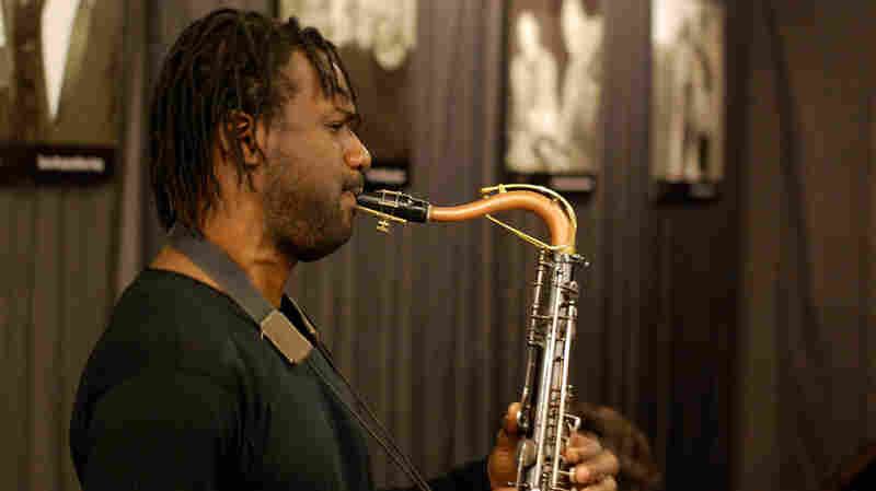 Myron Walden performs at WBGO.