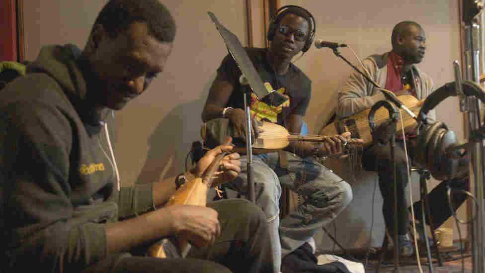 Bassekou Kouyate and Ngoni Ba; credit: Banning Eyre