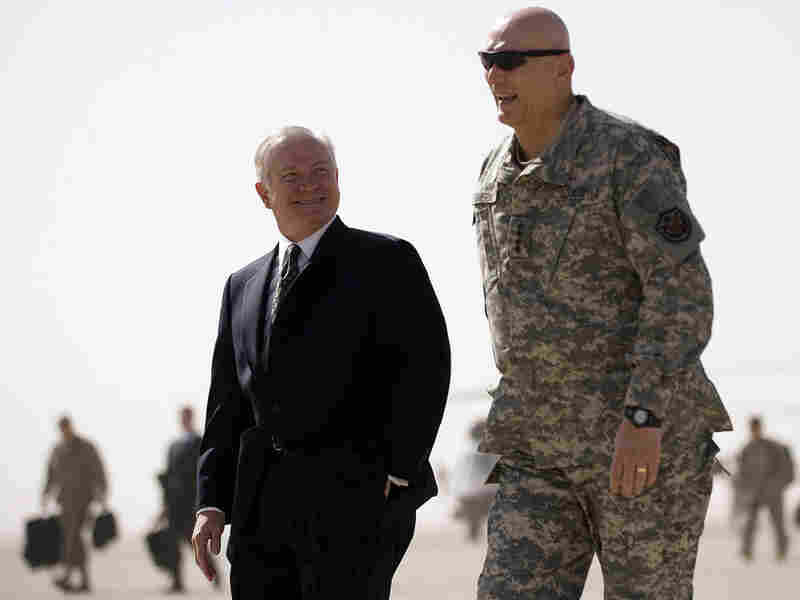 U.S. Secretary of Defense Robert Gates (left) and Gen. Ray Odierno.