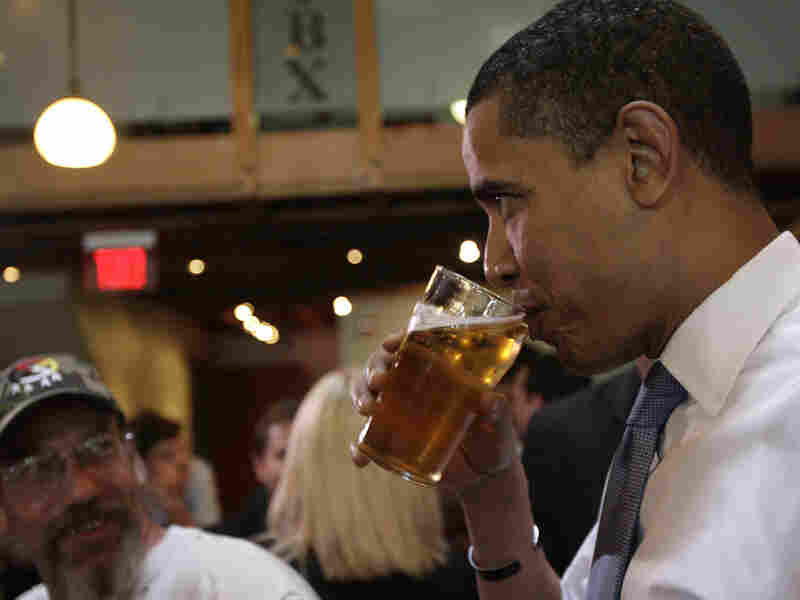 Obama drinks a pint in May 2008.