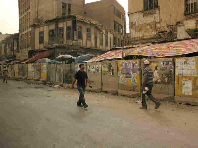 Blast walls in Baghdad