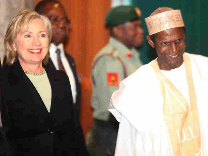 Hillary Clinton with Nigerian President Umaru Yar'Adua