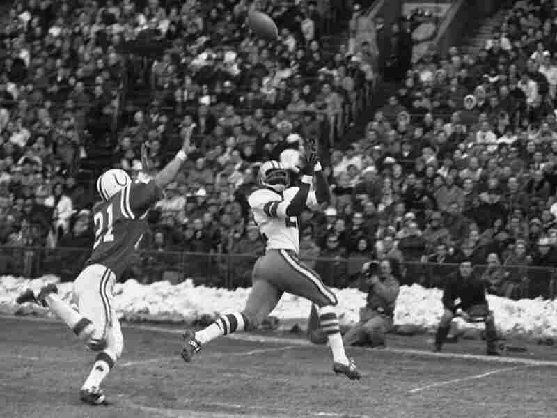 In this Dec. 3, 1967, file photo, Bob Hayes catches a touchdown pass.