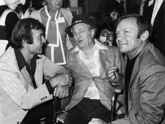 American actor Aldo Ray (far right)