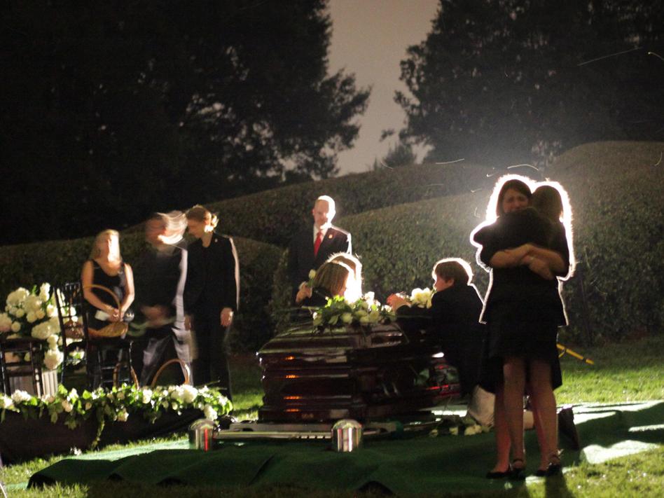 Senator Edward Kenedy Casket: Kennedy Clan Says A Private Goodbye
