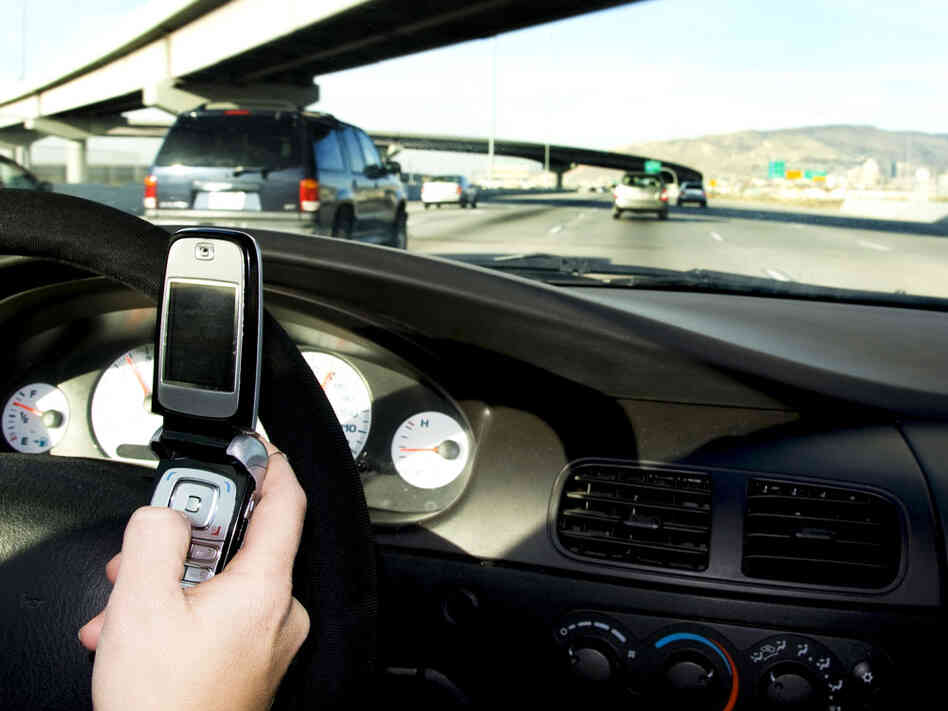 the danger of texting and driving That's not to suggest, however, that passengers are dangerous  more  experienced drivers are actually worse at texting and driving, study.