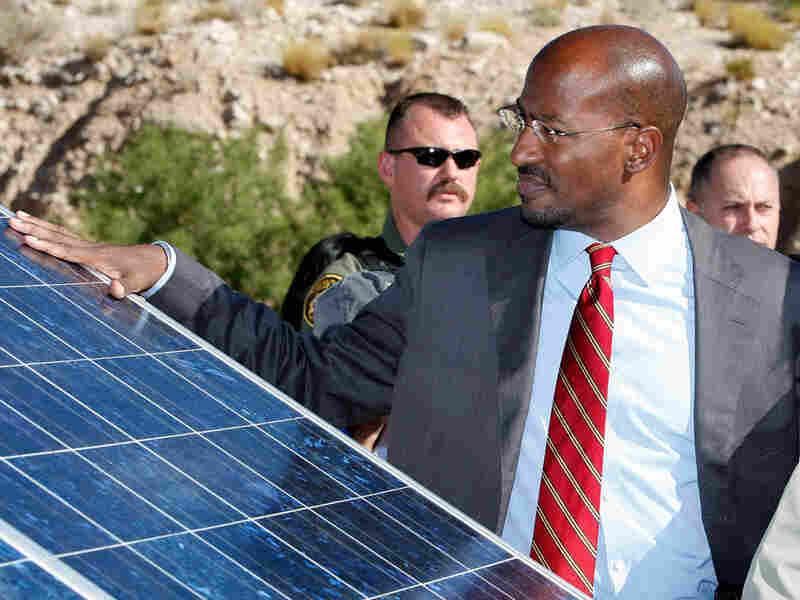Van Jones visiting a solar-powered emergency station