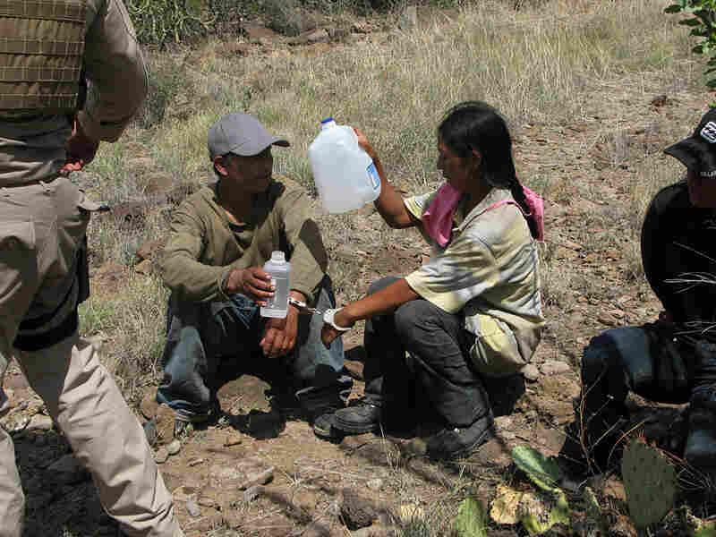U.S. Border Patrol Search, Trauma and Rescue teams capture border crossers.