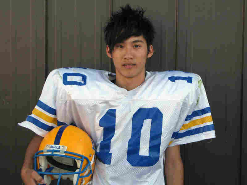 Szu-Yao Su from Taiwan, nicknamed 'Harry,' is the starting quarterback for the Burnt River Bulls.