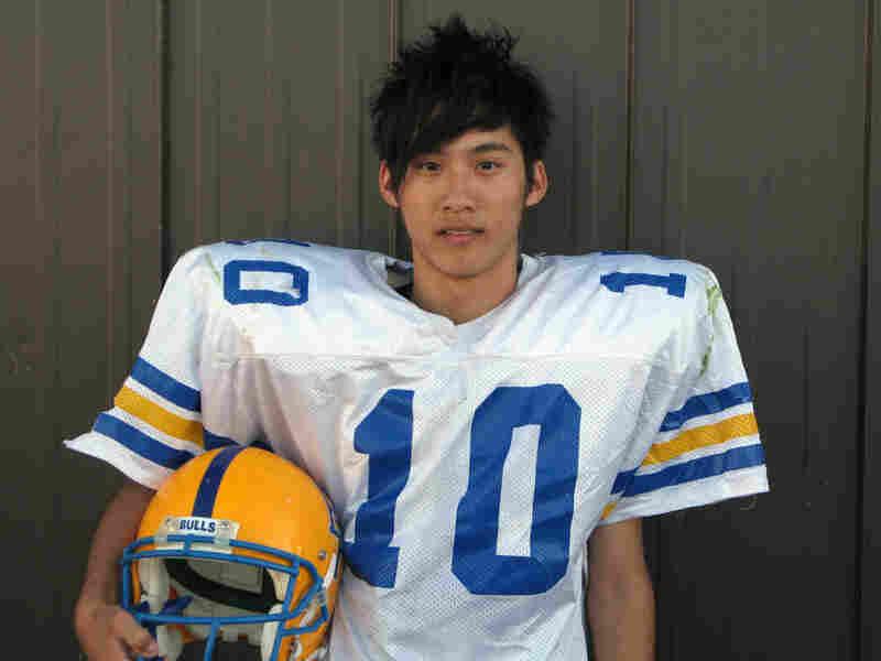 Szu-Yao Su from Taiwan, nicknamed 'Harry,' is the starting quarterback for the Burnt River Bulls.