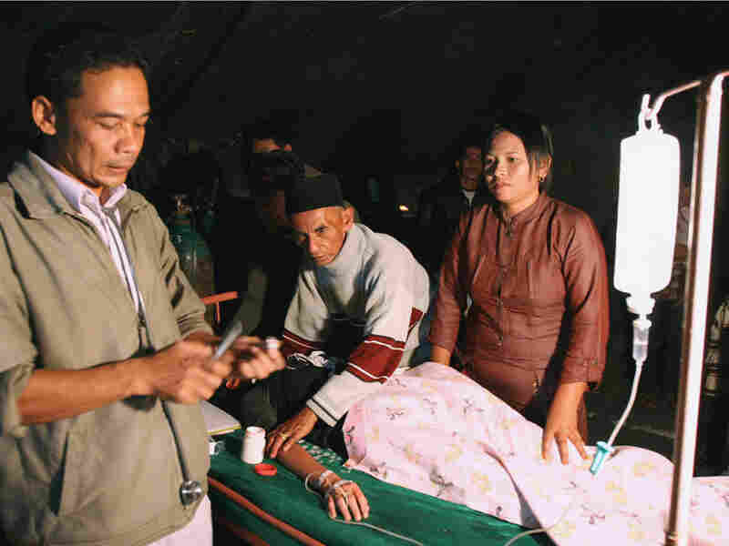 Earthquake survivors receive medical treatment in Padang Panjang in West Sumatra.