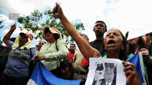 Supporters of deposed Honduran President Manuel Zelaya