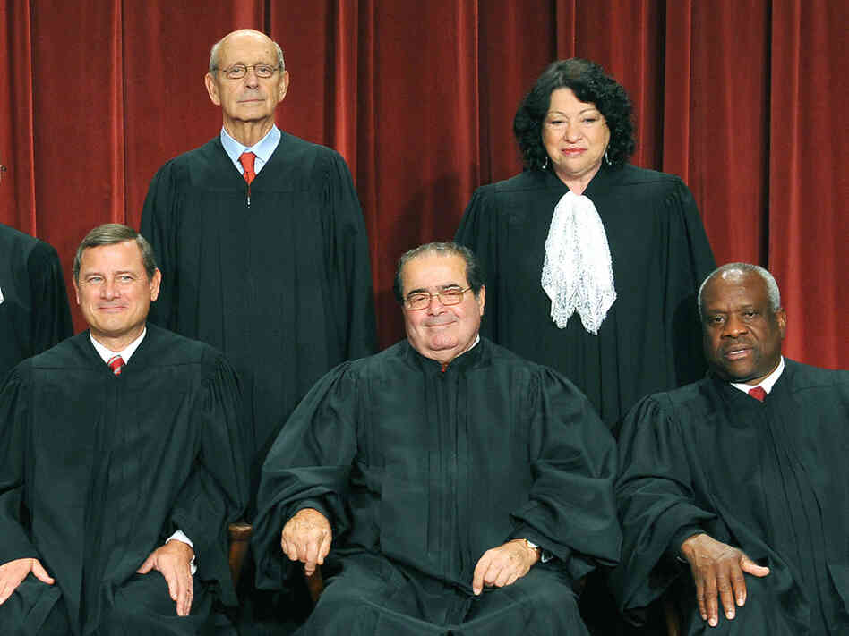 Stephen Breyer, Sonia Sotomayor, Clarence Thomas, Antonin Scalia and John Roberts.