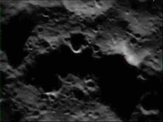 An image from the LCROSS lunar impact video.