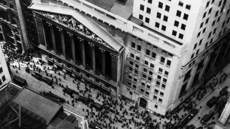 Wide: Crowds in Wall Street following the crash of the stock market, Oct. 29, 1929.