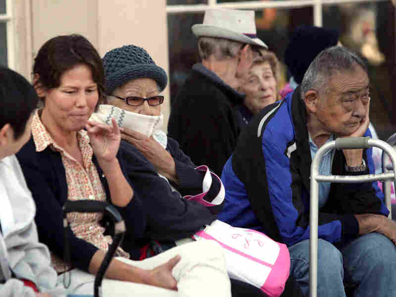Residents in Culver City, Calif.. wait in line for their vaccine