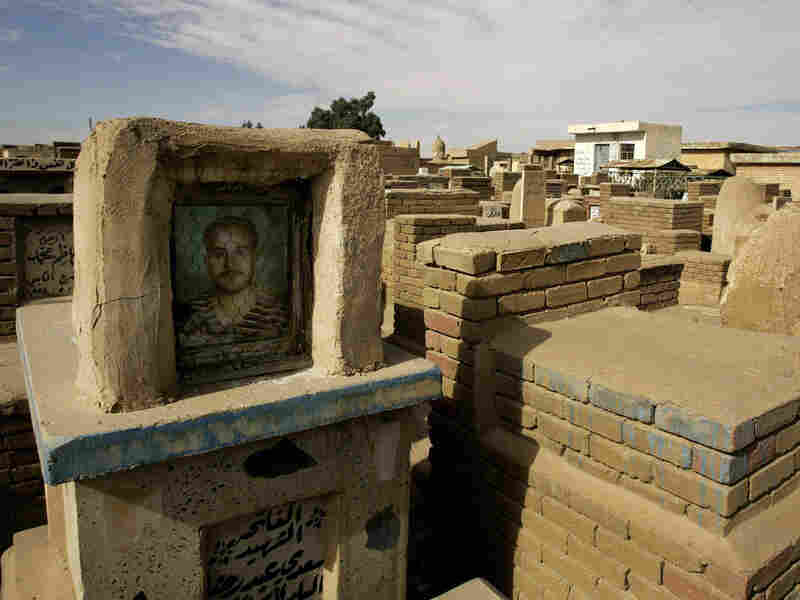 A tomb at the cemetery of Najaf in 2008.