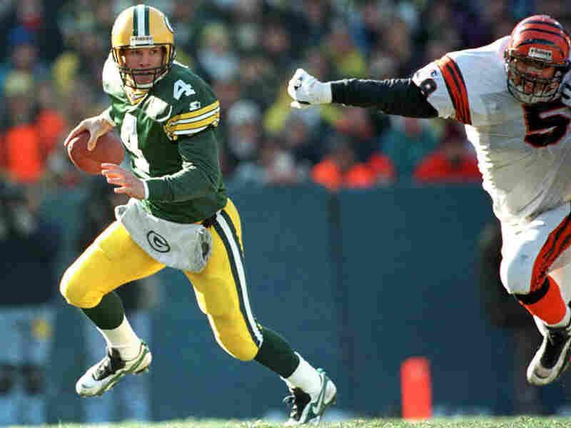 Fourteen seasons ago, Brett Favre scrambled past Cincinnati Bengals linebacker Steve Tovar.