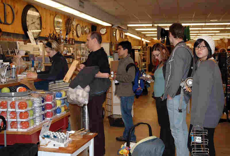 Customers line up for Bowl and Board's final liquidation sale