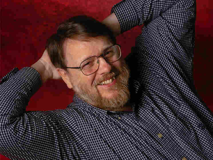 Ray Tomlinson in 2001. Courtesy BBN Technologies.
