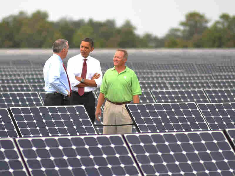 President Obama tours the DeSoto Next Generation Solar Energy Center in Arcadia, Fla.