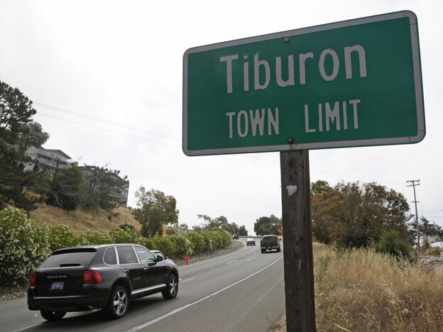 The town of Tiburon, Calif., voted last week to spend $200,000 to place six security cameras at strategic points to ensure none of the cars coming into town are stolen.