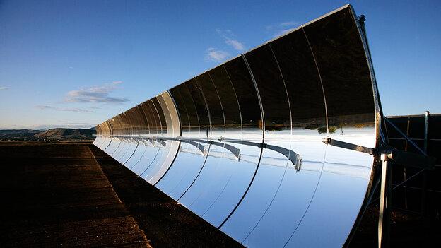 W: SkyFuel unveils a solar thermal system in Colorado.