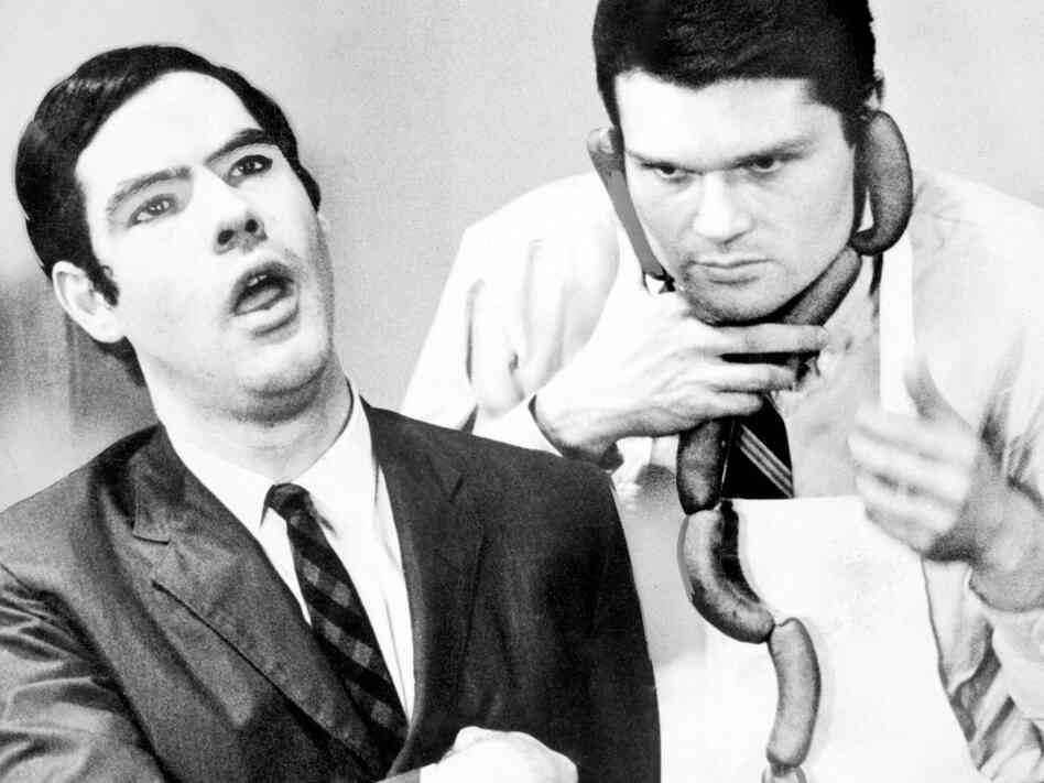The Second City alumni Robert Klein and Fred Willard in 1965.