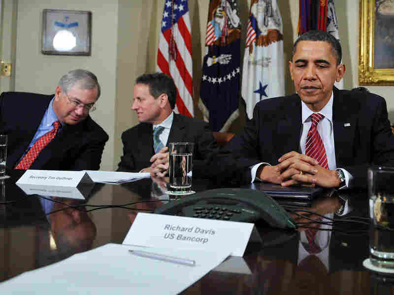 Obama speaks with members of financial services industries