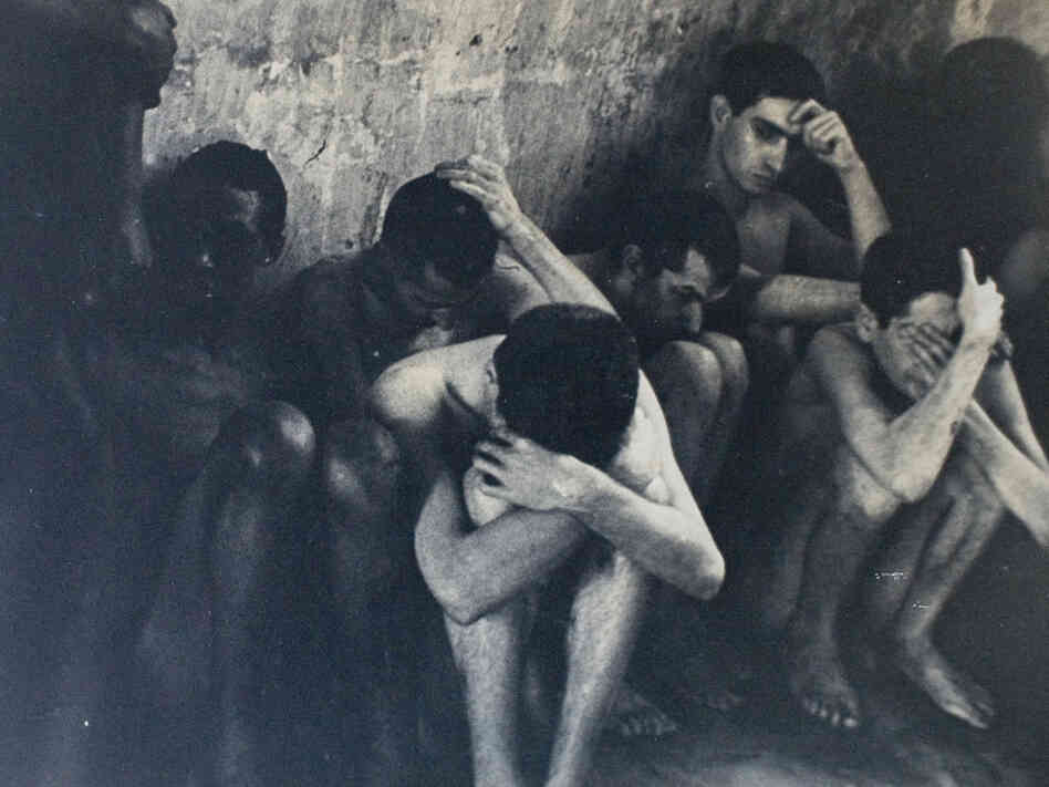 A photo of naked men in the Philadelphia State Hospital in 1945