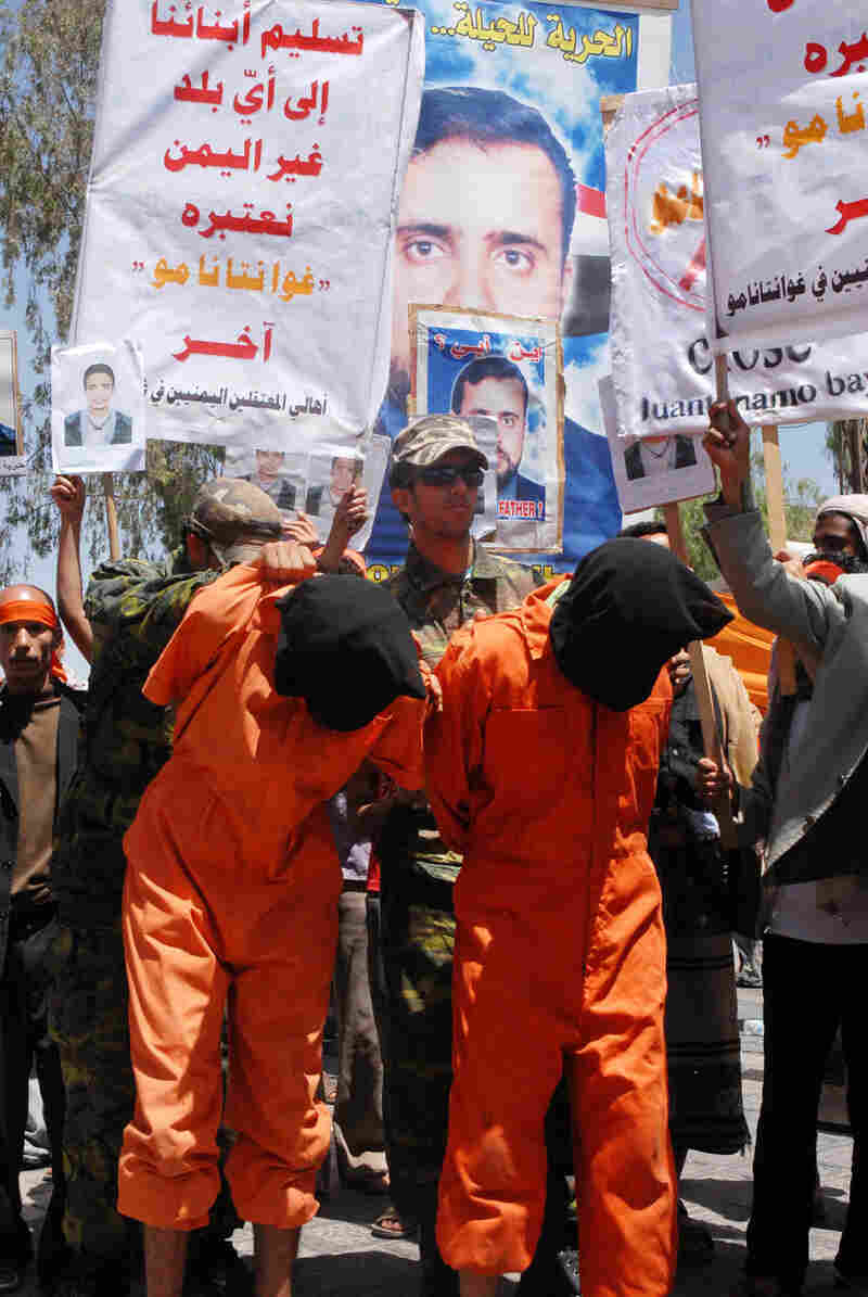 Yemenis call on the government to step up efforts to get Yemenis held at Guantanamo Bay released