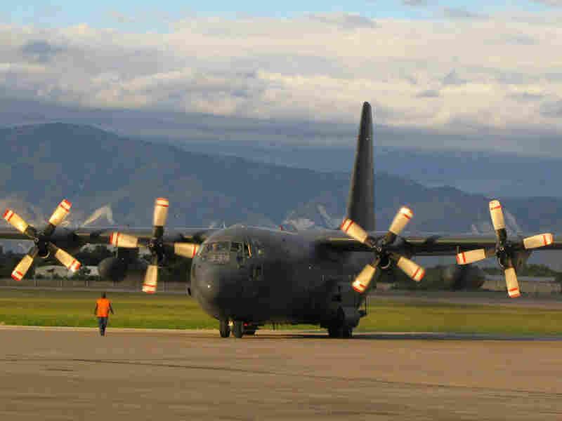 A U.S. Air Force plane lands in Haiti.