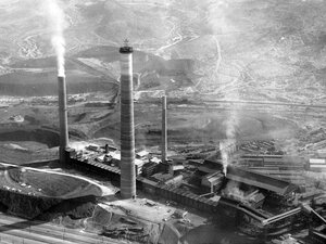 Aerial view of the Asarco plant in El Paso, Texas, in 1985.