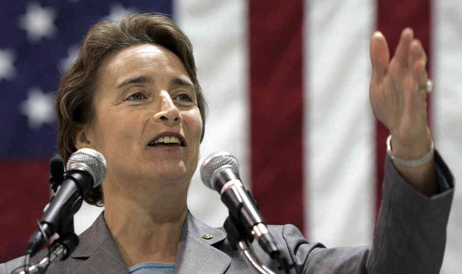 Sen. Blanche Lincoln of Arkansas speaks during a January 2009 aviation