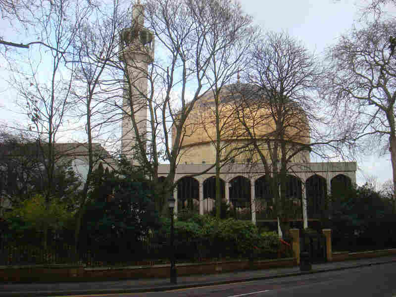 Another view of London's Regent's Park mosque.