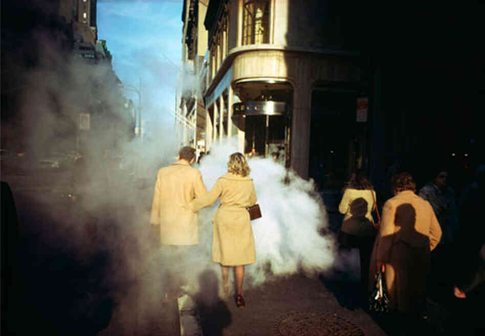 Camel Coats, 5th Avenue, New York City, 1975 (Joel Meyerowitz/Courtesy of Edwynn Houk Galle