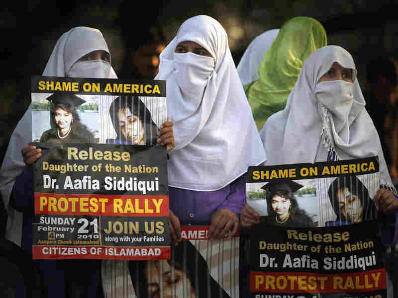 Women in Islamabad, Pakistan, protest conviction of Aafia Siddiqui