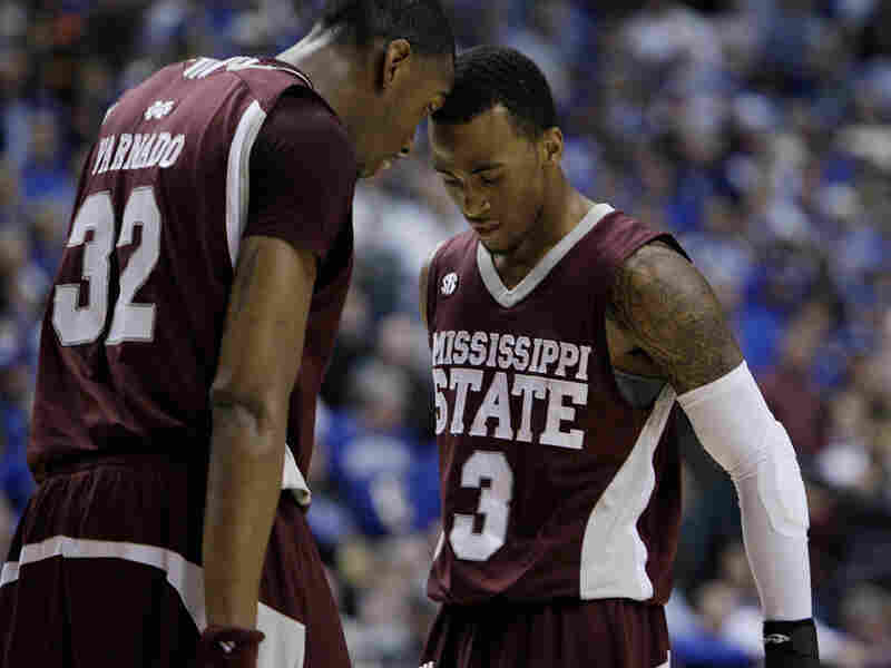 Jarvis Varnado and Dee  Bost of Mississippi State