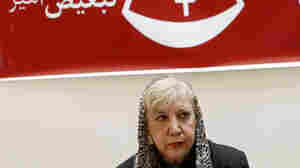 Tehran Halts Travel By Poet Called 'Lioness Of Iran'