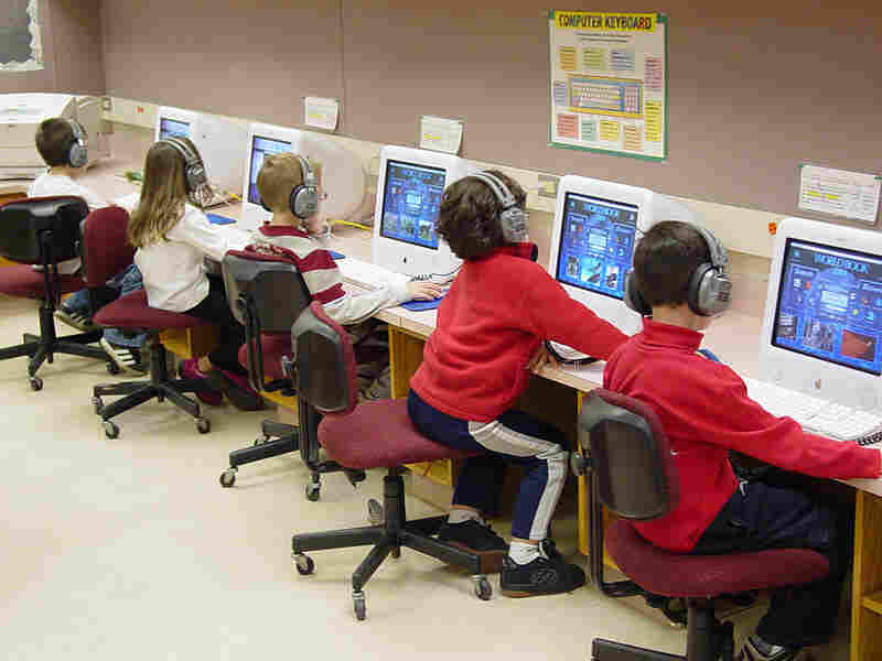 Hershey Elementary School Students work in a computer lab.