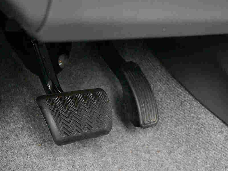 2010 Toyota Prius brake and gas pedals