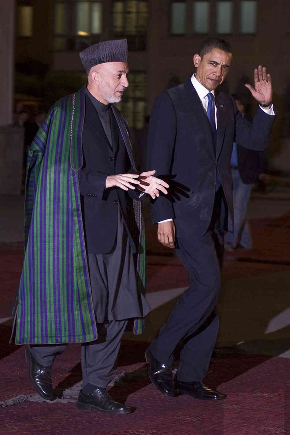 President Barack Obama walks with Afghan Presiden