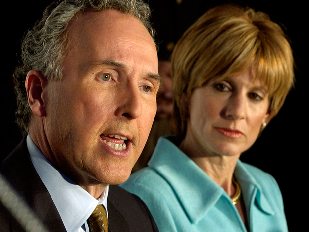 Frank McCourt (with wife Jamie) announces in 2004 that his $430 million purchase of the Los Angeles Dodgers has been approved.